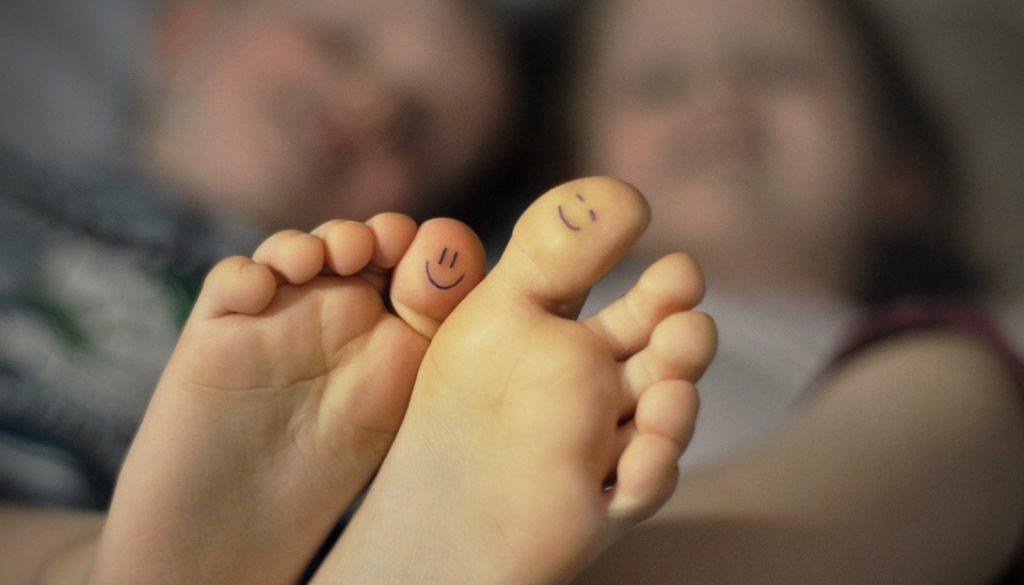 feet-4359610_960_720